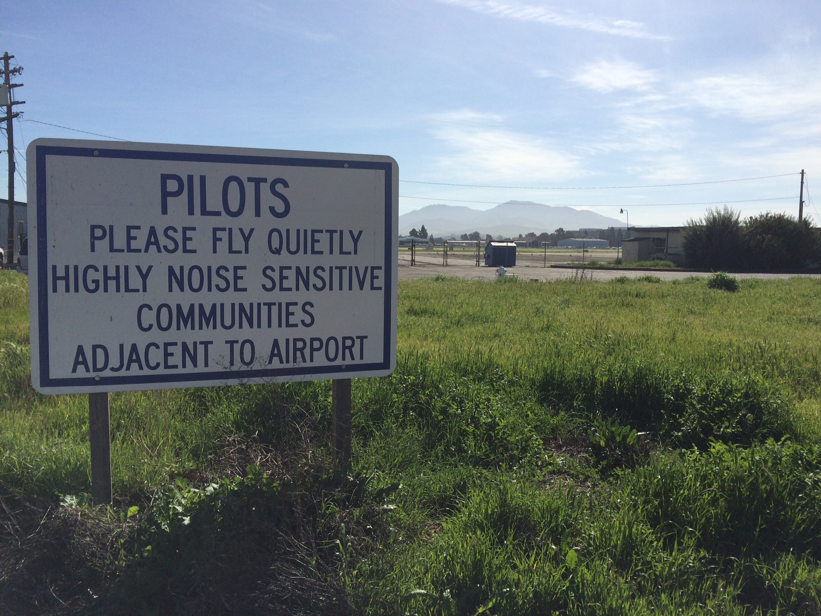 Airport Noise Sign Mt. Diablo